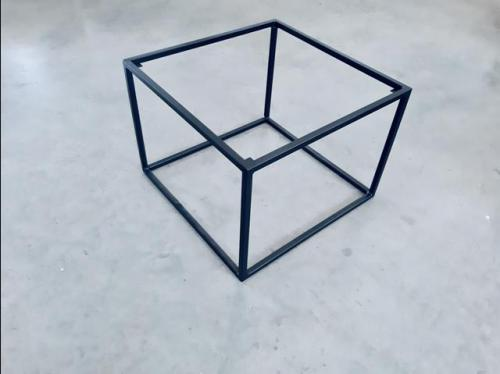 stelaz-stolika-kwadrat